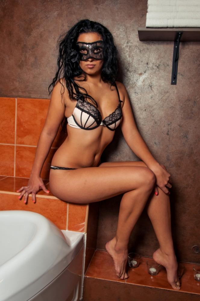 nahá erotické masáže